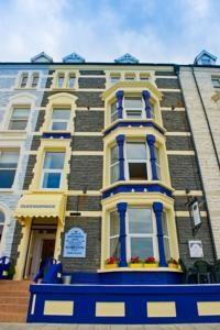 Queensbridge Hotel Wales